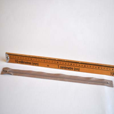 Closed end Zip - 40 cm - £0.50 Item price